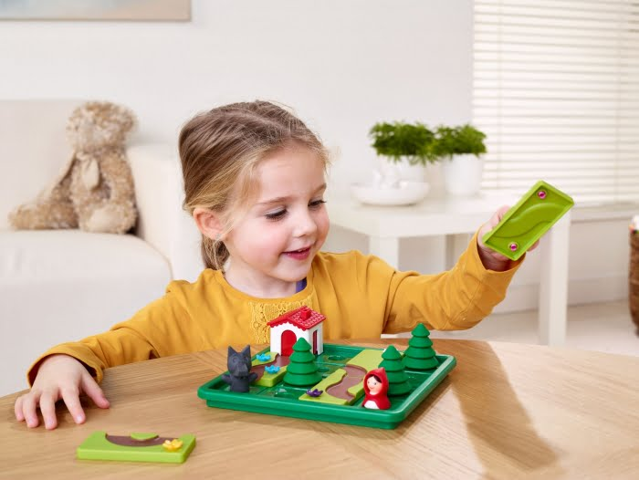LIttle Red Riding Hood Smart Games Action