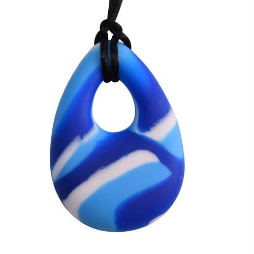chubuddy blue swirl chewy necklace