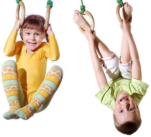 kids on gym rings